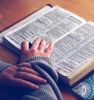 imagem dos grupos de estudo bíblico na igreja Acção Bíblica de Lisboa